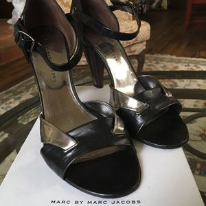 MARC JACOBS High Heel Shoes- Black/Metallic Silver